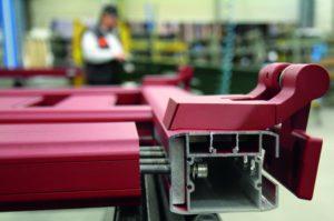 Portail alu CETAL avec assemblage mécanique et visserie inox - afp - gironde